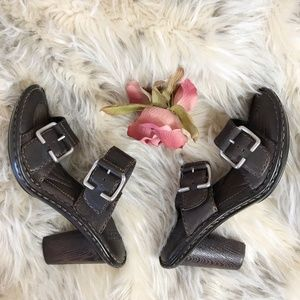 Born Heeled Sandals Buckles Brown Leather 7